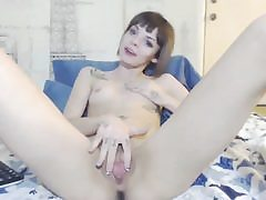 Flexible girl got fresh sex fucktoy for smoothly-shaven pussy