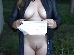 Hot sexy mega-bitch is reading a love letter and gets naked on camera